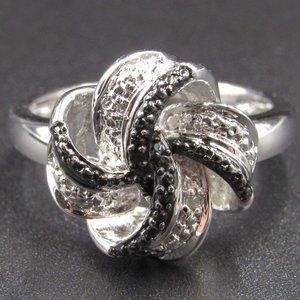 Size 8 Sterling Silver Swirling Diamond Chip Ring